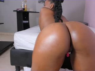big_ebony_ ebony cam babe already knows how to cum and how to squirt