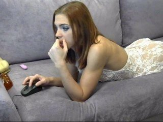 foxy-slut european cam babe takes fucking machines the size of her arm deep in her ass online