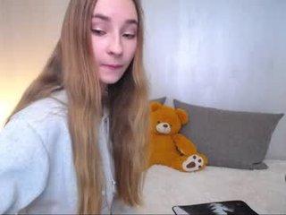 evaava depraved blonde cam girl presents her pussy drilled