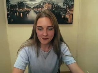 bottomless_eyes sex cam with a horny cute cam girl that's also incredibly naughty