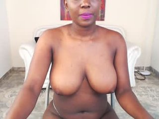 perla_exotic african cam girl with shaking ass