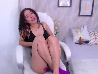 isa_diamond latina cam whore enjoys hard anal