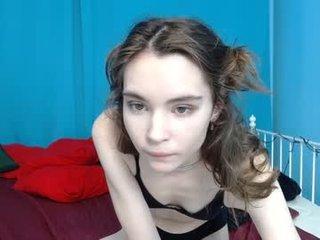eva7brown hot deutsch cam girl presents lewd sex shows