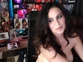 rogues_gambit cam girl in beautiful lingerie loves cum on mouth and chin