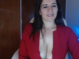 majoboobs_ big tits cam babe have to shave pussy