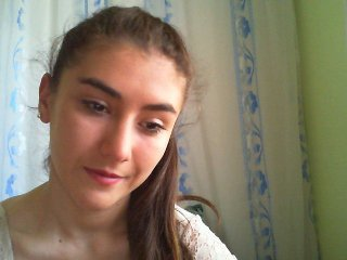 ozlemyilmaz23 latina cam babe brings live sex to him online