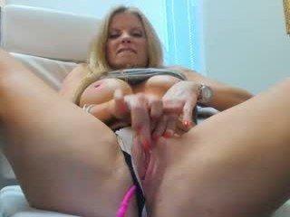trophywifey cumshow with dildo online