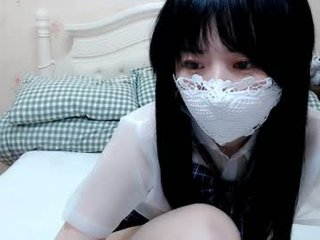 lovely_asahi english cam girl show his beauty legs online