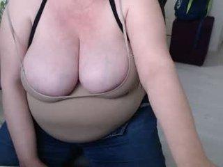 new_milf cam milf fucks herself with sex toys online