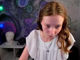 saymreow teen cam babe wants to be fucked online as hard as possible