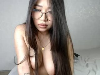 ameli_ten cam girl with long feet fucked and eating cum online