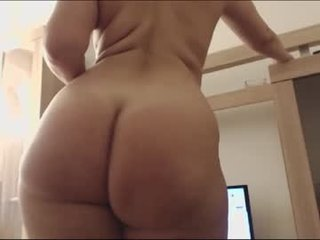 aryahunt cam babe with big tits in private live sex show
