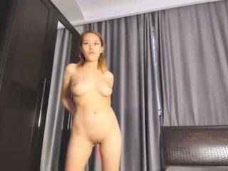 myon_yun petite asian cam girl in dirty live sex show