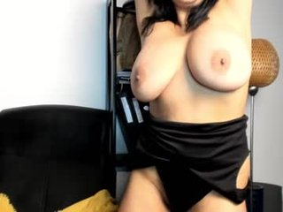 sexual_secret cam girl showing big tits and big ass