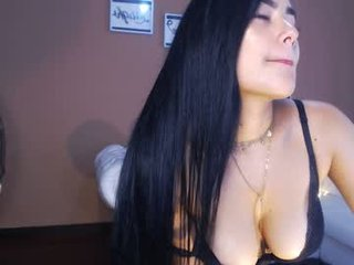 lindsey_xbanks cam girl with tight ass makes blowjob